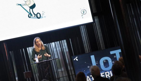 SMART TRANSPORT: Ved hjelp av blant annet teknologi og sensorikk skal Nordland fylkeskommune få innbyggerne i Bodø til å velge miljøvennlige transportalternativer. Leder for prosjektet Siri Vasshaug. Foto: Martin Philip Fjellanger, Telenor