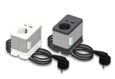 Unica Bordenhet S, strømuttak med 2USB, hvit/grå eller antrasitt/grå